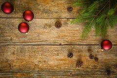 Fondo de la Navidad con los ornamentos Fotografía de archivo libre de regalías