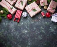 Fondo de la Navidad con los rectángulos de regalo Imagen de archivo