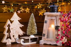 Fondo de la Navidad con la luz y la decoración de la linterna Foto de archivo