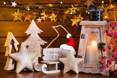Fondo de la Navidad con la luz y la decoración de la linterna Fotos de archivo