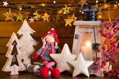 Fondo de la Navidad con la luz y la decoración de la linterna Imagen de archivo