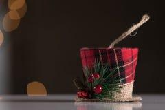 Fondo de la Navidad del extracto del ornamento del sombrero de Navidad Foco selectivo Imágenes de archivo libres de regalías
