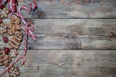 Fondo de la Navidad en los tableros de madera Imágenes de archivo libres de regalías