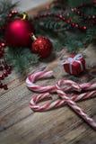Fondo de la Navidad en los tableros de madera Imagen de archivo