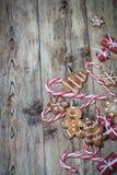 Fondo de la Navidad en los tableros de madera Foto de archivo