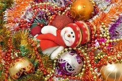 Fondo de la Navidad - muñeco de nieve blanco divertido imágenes de archivo libres de regalías