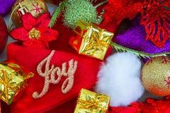 Fondo de la Navidad y del Año Nuevo con las decoraciones Imágenes de archivo libres de regalías