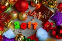 Fondo de la Navidad y del Año Nuevo con las decoraciones Fotos de archivo libres de regalías