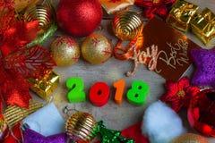 Fondo de la Navidad y del Año Nuevo con las decoraciones y el regalo Boxe Fotografía de archivo libre de regalías