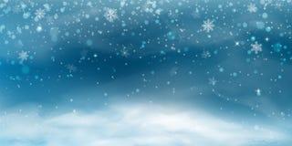 Fondo de la nieve Paisaje de la Navidad del invierno con el cielo frío, ventisca