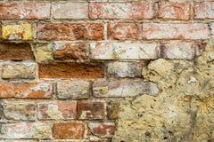 Fondo de la pared de ladrillo vieja del vintage con hormigón, textura resistida del fondo concreto atormentado de la pared de lad Imagenes de archivo