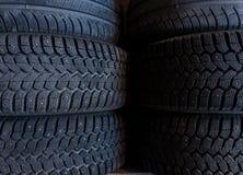 Fondo de la pila del neumático Foco selectivo Fotos de archivo
