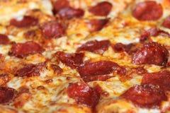 Fondo de la pizza de salchichones Imagen de archivo