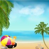 Fondo de la playa del verano con las palmas y la bola Fotografía de archivo