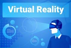 Fondo de la realidad virtual de los vidrios de Wearing 3d del hombre de negocios con el hombre del espacio de la copia en concept Fotografía de archivo libre de regalías