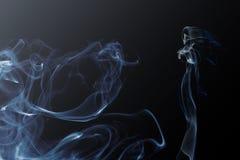 Fondo de la señora y del humo foto de archivo libre de regalías