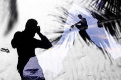 Fondo de la sombra del fotógrafo y de la arena Imagen de archivo