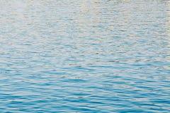 Fondo de la superficie del río del océano del mar tranquilo Foto de archivo