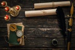 Fondo de la tabla del aventurero Escritorio del viajero Fotografía de archivo