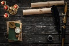 Fondo de la tabla del aventurero Escritorio del viajero Fotos de archivo libres de regalías