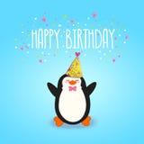 Fondo de la tarjeta del feliz cumpleaños con el pingüino lindo. Imagen de archivo