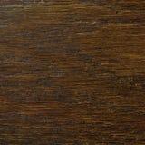 Fondo de la textura de la chapa del grano del roble, modelo texturizado rasguñado horizontal natural del marrón del negro oscuro, Foto de archivo
