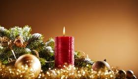 Fondo de la vida festiva del advenimiento y todavía de la Navidad Foto de archivo libre de regalías