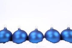 Fondo de las bolas de la Navidad Imágenes de archivo libres de regalías