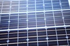 Fondo de las células de los paneles solares azules Foto de archivo