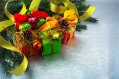 Fondo de las cajas de regalo de la Navidad imagen de archivo libre de regalías