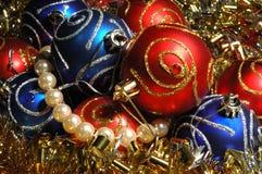 Fondo de las decoraciones de la Navidad Foto de archivo libre de regalías