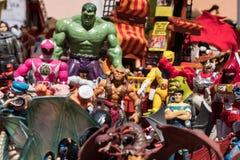 Fondo de las figuras de acción de las historietas y de los héroes y de los monstruos de las películas imagen de archivo libre de regalías