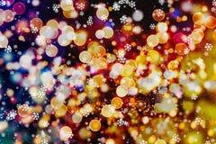 Fondo de las luces de bulbos del brillo que brilla: falta de definición del concepto de las decoraciones del papel pintado de la  Imagen de archivo