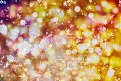 Fondo de las luces de bulbos del brillo que brilla: falta de definición del concepto de las decoraciones del papel pintado de la  Fotos de archivo libres de regalías