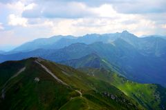 Fondo de las montañas, montañas de Tatra, Polonia Foto de archivo