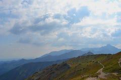 Fondo de las montañas, montañas de Tatra, Polonia Imagen de archivo libre de regalías
