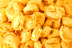 Fondo de las pastas del Tortellini Imagen de archivo
