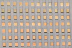 Fondo de las ventanas del edificio de oficinas Fotos de archivo