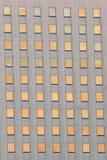 Fondo de las ventanas del edificio de oficinas Imágenes de archivo libres de regalías
