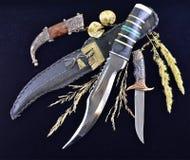 Fondo 2 de los cuchillos de caza Imagenes de archivo