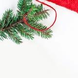 Fondo de los días de fiesta de la Navidad con las decoraciones y el regalo festivos Fotografía de archivo