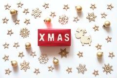Fondo de los días de fiesta de la Navidad Palabra de Navidad hecha de letras de madera Imagenes de archivo