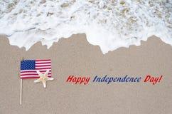 Fondo de los E.E.U.U. del Día de la Independencia con la bandera y las estrellas de mar Imagenes de archivo
