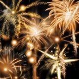 Fondo de los fuegos artificiales del Año Nuevo o del Día de la Independencia Foto de archivo