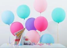 Fondo de los globos para el cumpleaños Imagenes de archivo