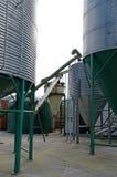 Fondo de los silos de la granja del metal Foto de archivo libre de regalías