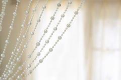 Fondo de lujo de la perla de las cortinas fotografía de archivo libre de regalías