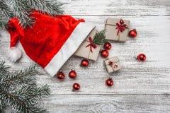 Fondo de madera blanco Navidad de la tarjeta de felicitación de la Navidad Foto de archivo