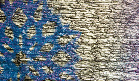 Fondo de madera con los copos de nieve de plata en un fondo azul y púrpura Año Nuevo, la Navidad, fondo, textura Imagenes de archivo