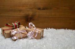 Fondo de madera de la Navidad de la nieve Imagen de archivo libre de regalías